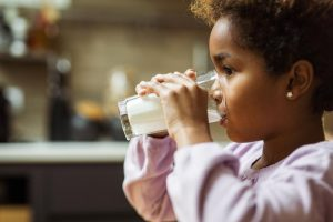 consumo-latte-malattie-paleo-dieta-latticini